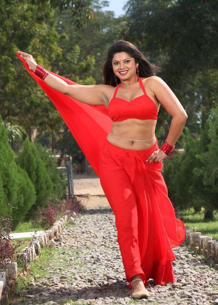 Swathi Verma mujra dance
