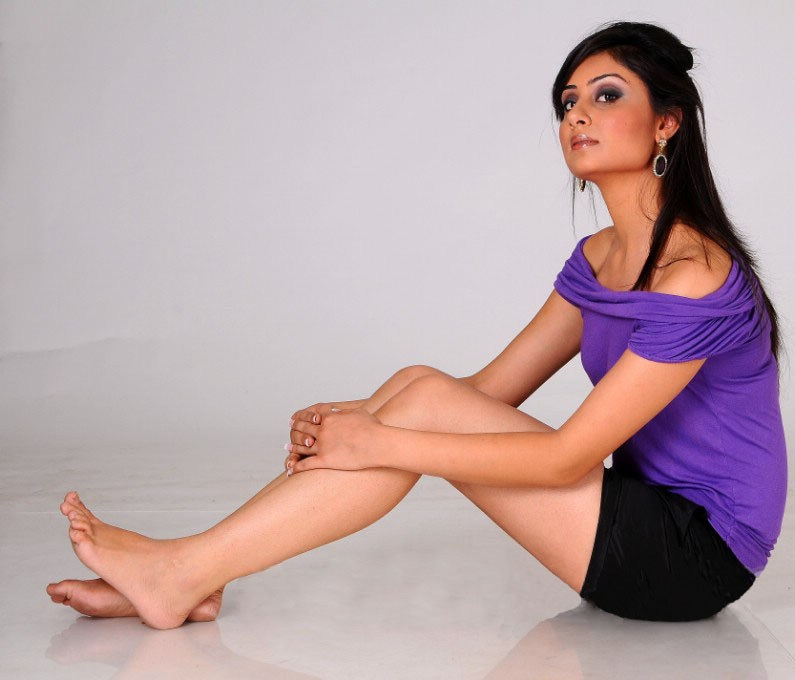 Bhanu Sri Mehra Flaunting Bare Feet Legs On The Floor