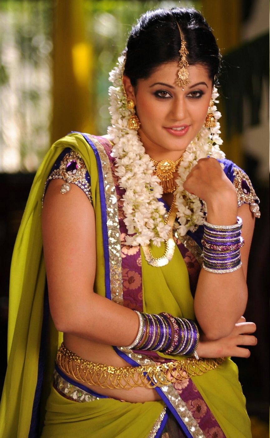 tapsee in south indian traditonal outfit