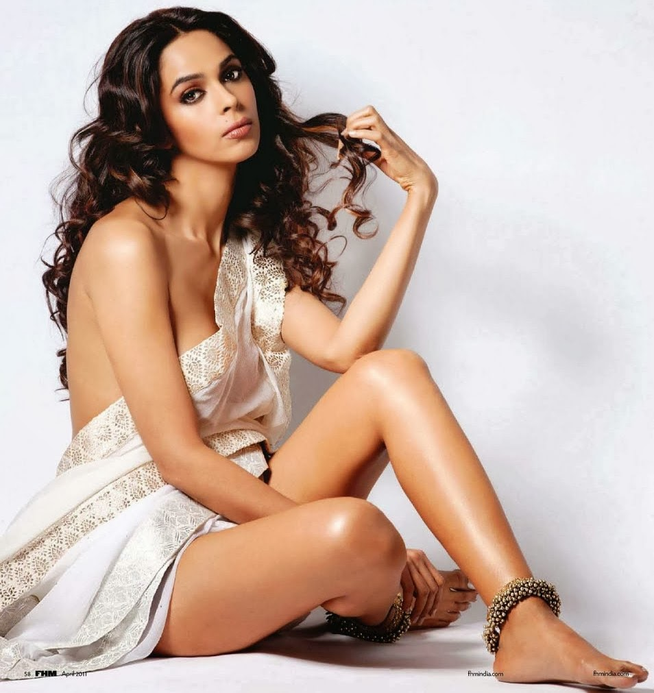 Hot And Sexy Photos Of Malika Sherawat