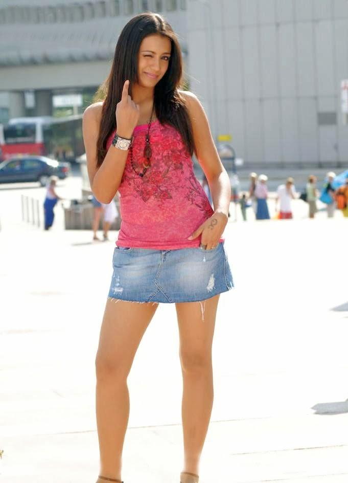 hot still of south indian actress trisha visit