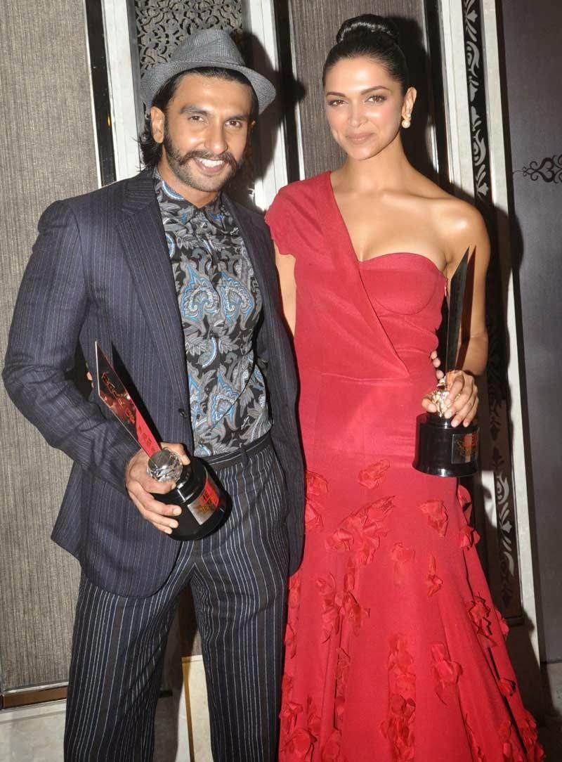 Deepika Padukone Latest Hot Pics At Hello Hall Awards -5650