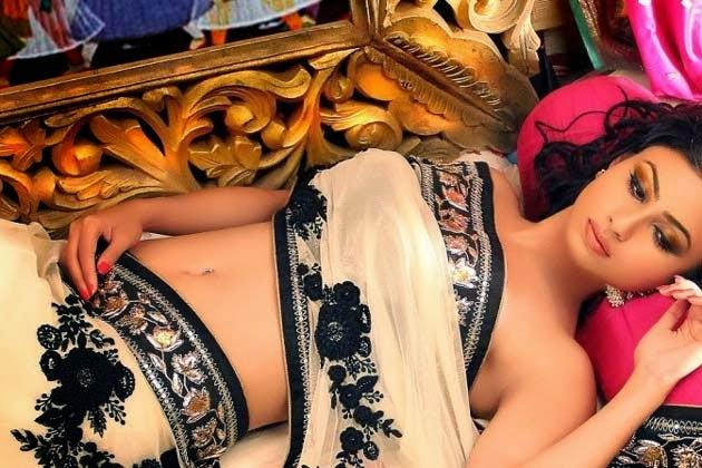 Mouni Roy | VISIT www.FILMYBOL.in