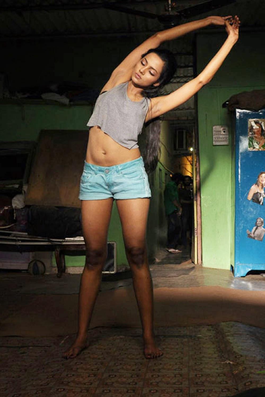 Sexy Aaradhana Gupta Very Bold In Satya 2 Movie  Visit -8474