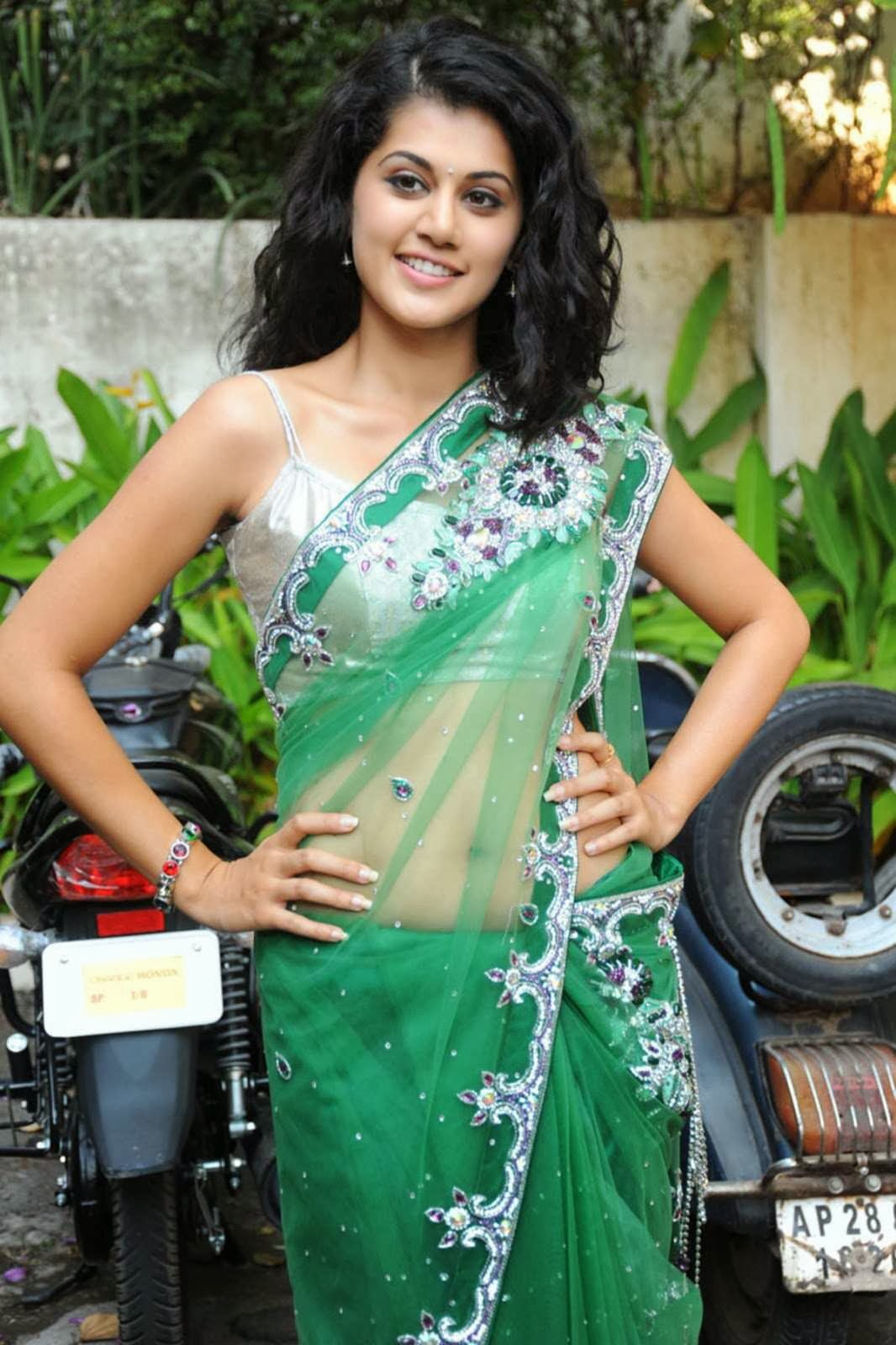 Taapsee Pannu Hot Navel Show In Green Saree  Visit Www -7528