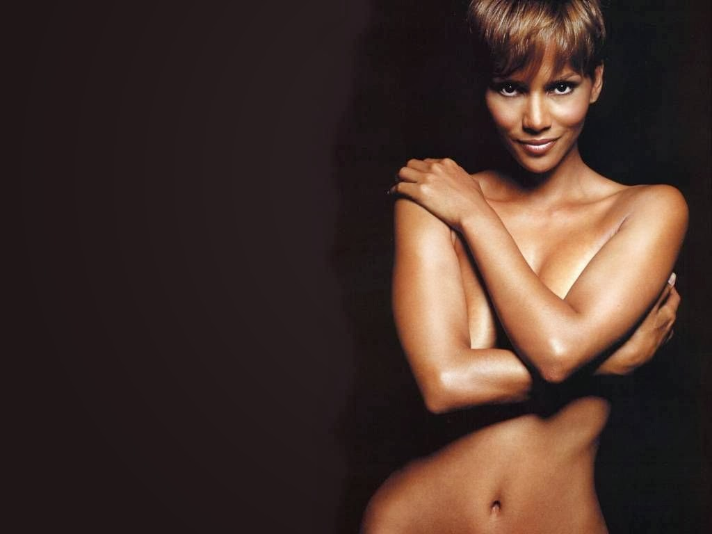 Unseen Pics Of Hollywood Actress Halle Berry Topless -4767