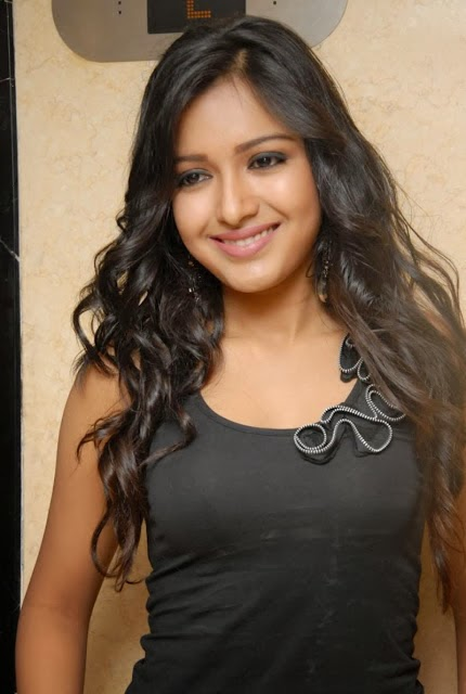 Catherine Tresa hot and unseen pics | VISIT www.FILMYBOL.in