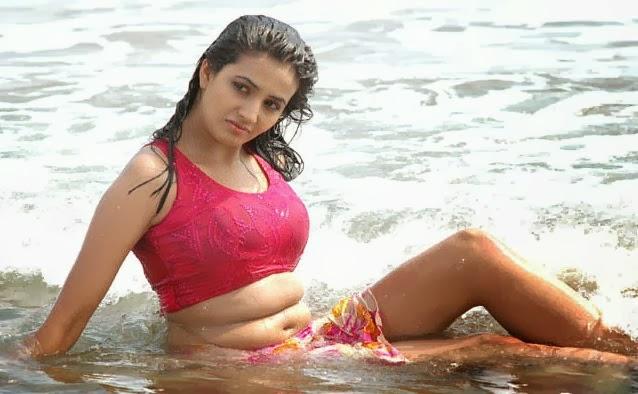 Actress Shraddha Arya Bikini Stills: VISIT Www.FILMYBOL.in